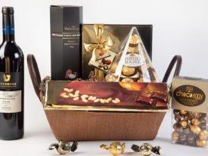 סלסלת שי EMERALD עשירה לחג או לציון יום הולדת